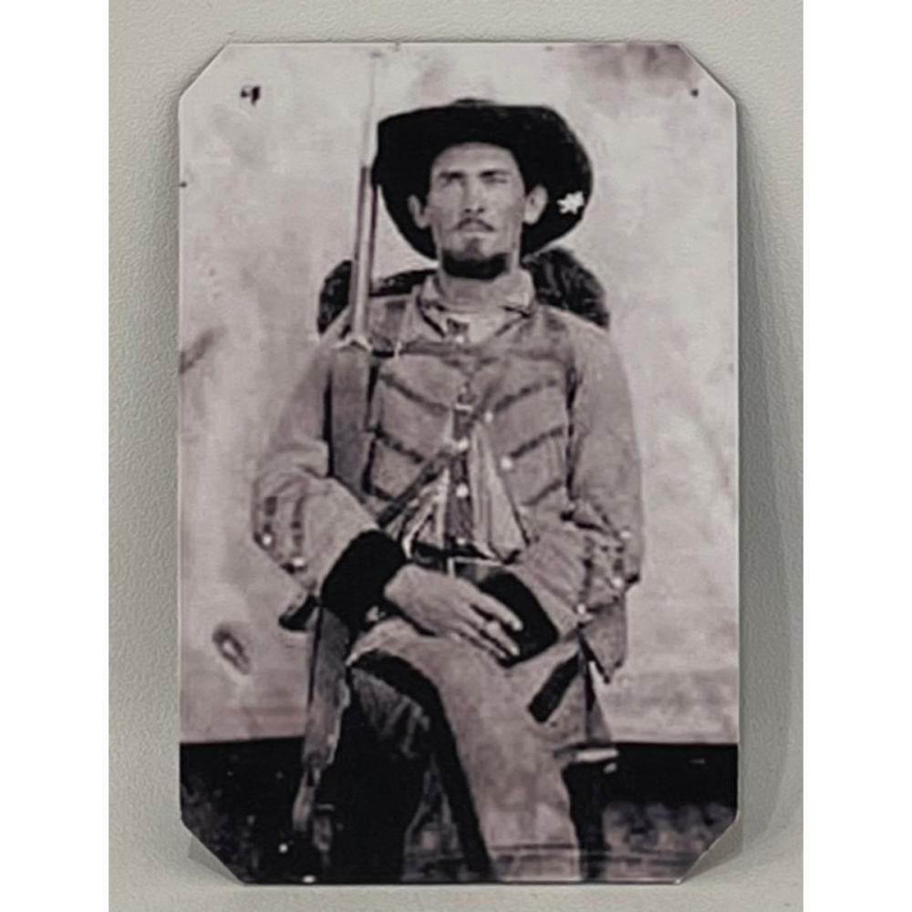 Civil War Tin Type Photo of Soldier Uniform w/Weapons – READ ON