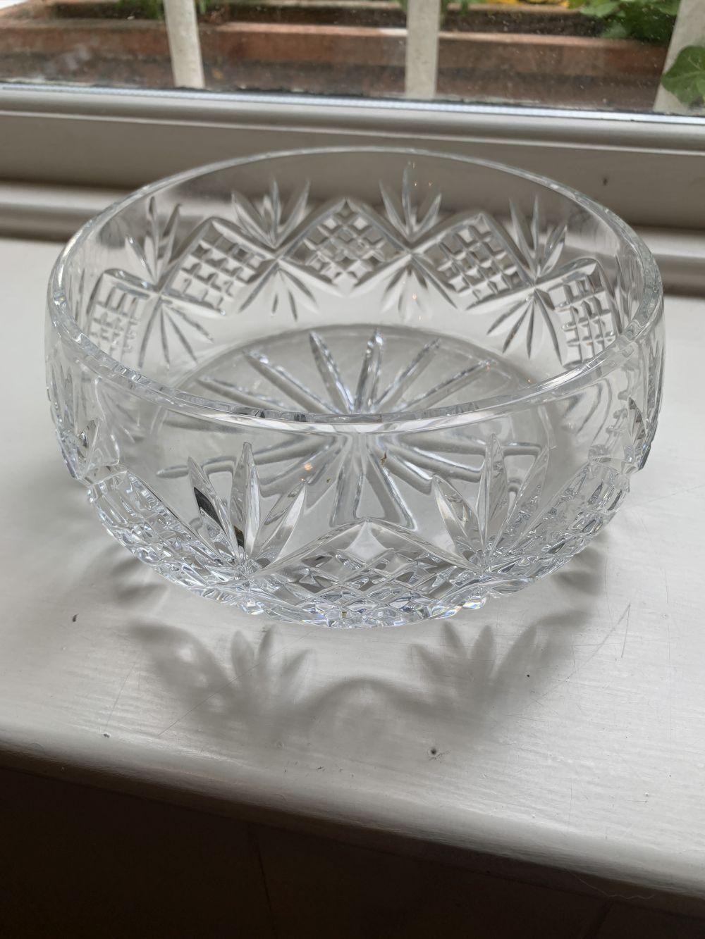 CRYSTAL CUT GLASS FRUIT BOWL