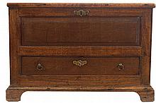 SMALL EIGHTEENTH-CENTURY PERIOD MAHOGANY  BLANKET CHEST
