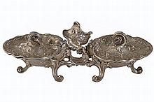 NINETEENTH-CENTURY FRENCH ROCOCO SILVER DUAL SCALLOP SHELL SALT