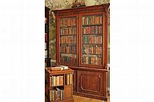 PAIR OF NINETEENTH-CENTURY MAHOGANY BOOKCASES