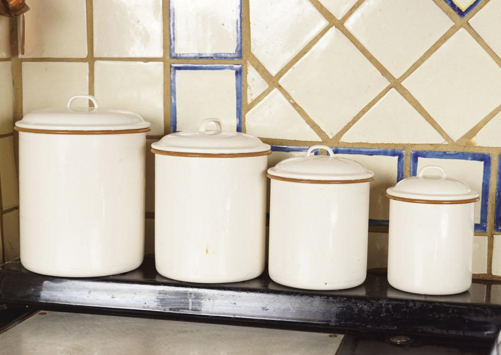 SET OF 4 GRADUATED TOLEWARE CANISTERS