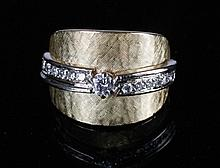 Art Deco 18 ct. gold and diamond ring