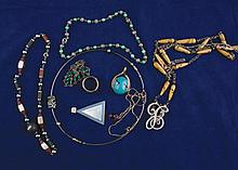 Lot of silver necklaces and pendants