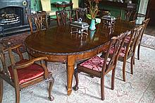 LARGE EDWARDIAN PERIOD ADAM STYLE TELESCOPIC DINING TABLE