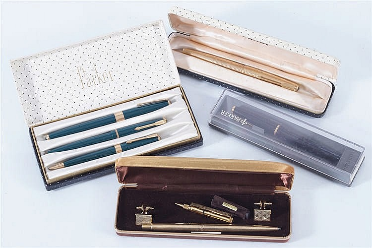 LOT OF PARKER FOUNTAIN PENS