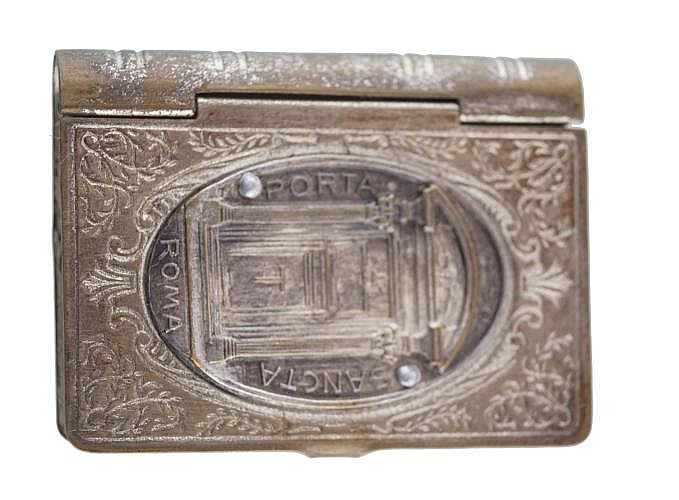 MINIATURE BOX IN BOOK FORM EMBOSSED WITH THE PORTA SANTA