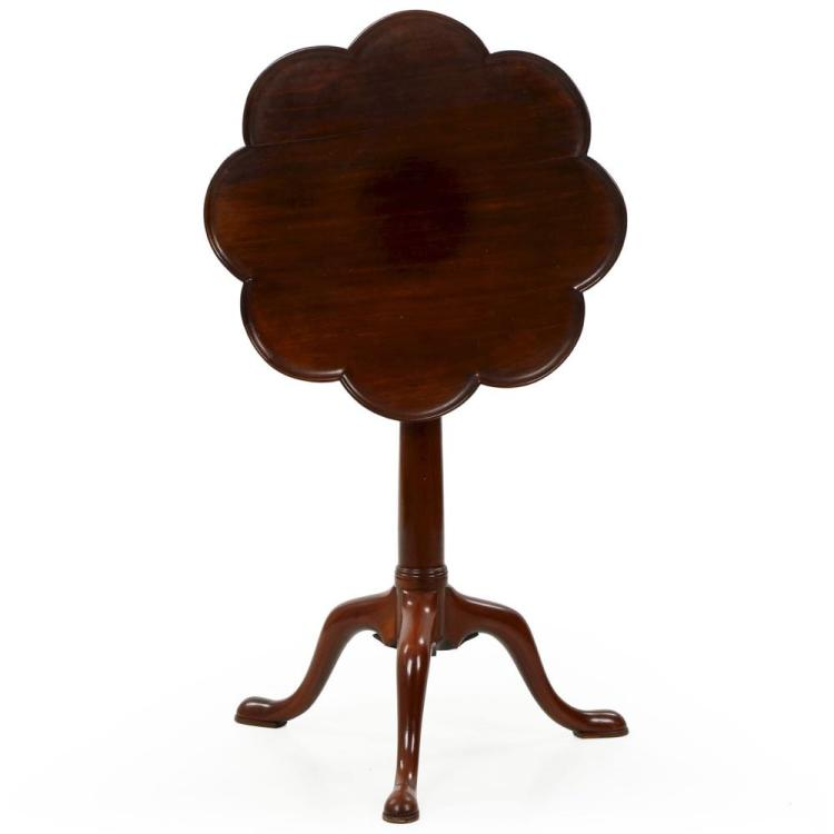 English George III Mahogany Octofoil Wine Table, Late 18th Century