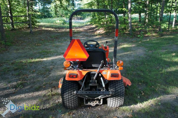 Lot 25: 2002 Kubota BX2200 Tractor w/ Loader and mower