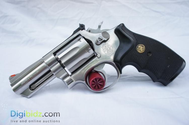 Smith and Wesson Model 66-2 .357 Magnum Revolver