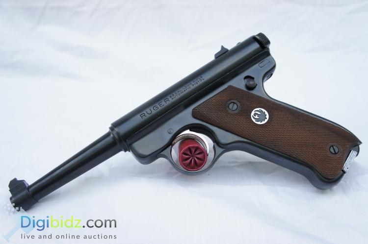 Sturm Ruger and Co. Mark I Target 8 Round .22LR Semi-Automatic Hand Gun