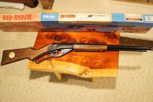 Lot 1: Daisy Red Ryder BB Gun