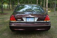 Lot 22: 2000 Ford Crown Victoria - Special Edition