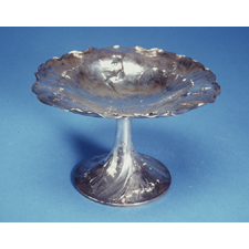 Clemens Friedell Sterling Silver Martelé Fairy Compote, Pasadena, California, 1914, circular, with