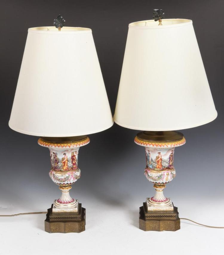 Pair Of 20th Century Capodimonte Lamps With Shades 20th Cen