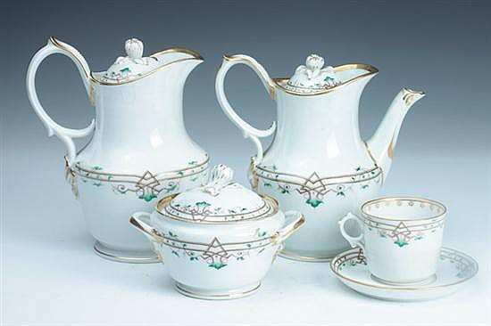 19-PIECE PARIS PORCELAIN TEA AND COFFEE SERVICE. Mid-to-late 19th century. - 8 1/2 in. high, coffee pot.