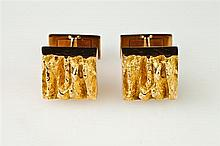PAIR 14K YELLOW GOLD NUGGET-TEXTURED SQUARE CUFFLINKS,