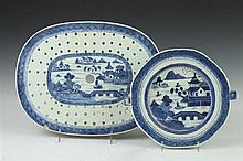 CHINESE BLUE AND WHITE PORCELAIN MAZARINE AND HOT WATER PLATE. 19th Century. - larger: 13 5/8 in. long.