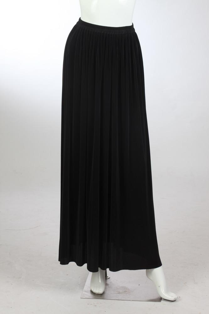 YVES SAINT LAURENT ENCORE BLACK PLEATED SKIRT. size small/medium.