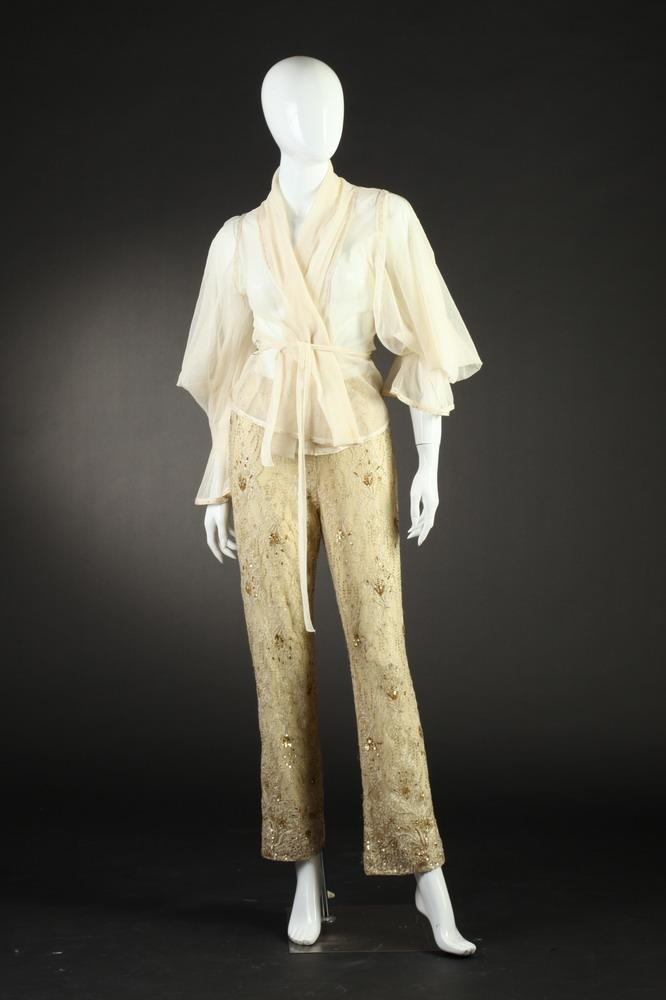 BADGLEY MISCHKA EMBELLISHED CREAM COLORED EVENING ENSEMBLE, Size 8.