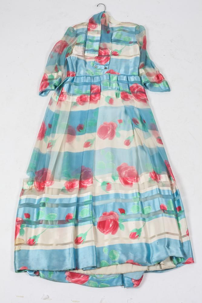 CHRISTIAN DIOR FLORAL SILK DINNER DRESS (MISSING LABEL). size small.