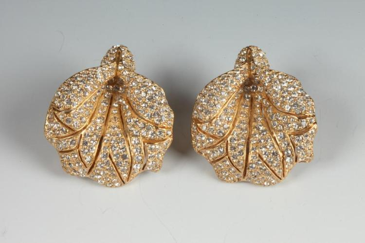 GOLD-TONE AND RHINESTONE CLIP EARRINGS.