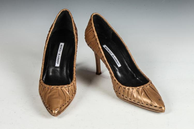 MANOLO BLAHNIK SHOES BRONZE LEATHER HEELS, size 39.