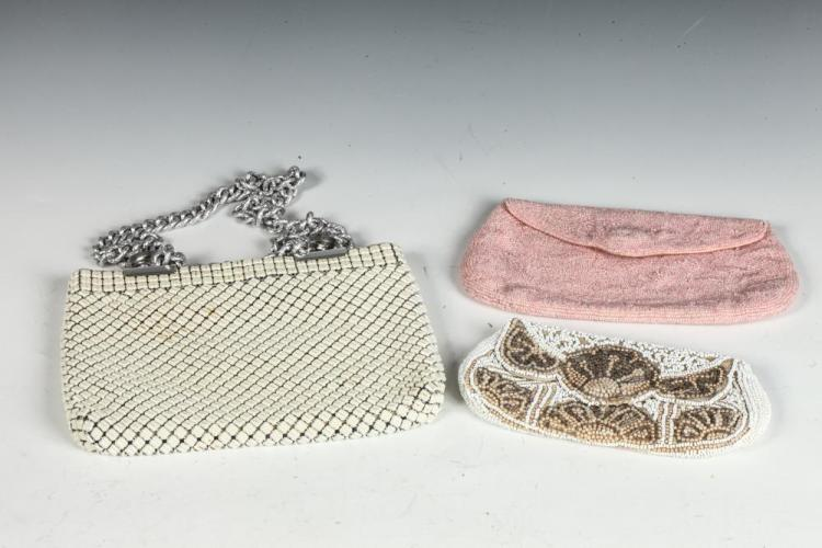 VINTAGE BEADED POUCHES IN BEIGE, PINK AND WHITE. Size medium.