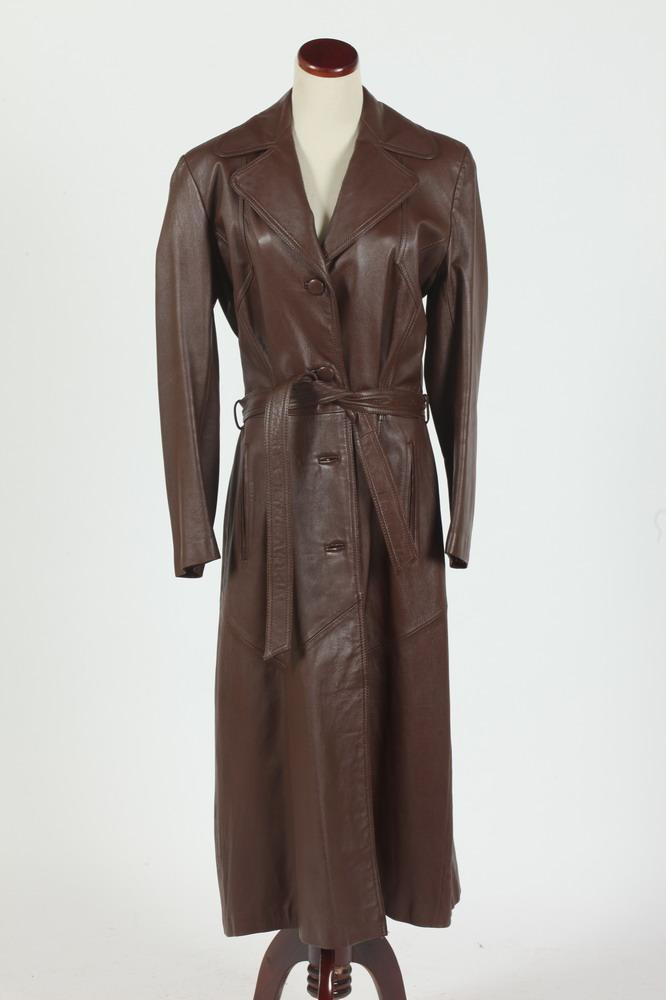 VINTAGE (1970'S) NAPPATEX SWISS CINNAMON LEATHER COAT, size medium.