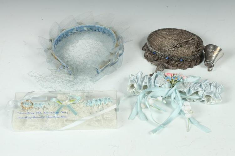 VINTAGE SILVER MESH PURSE WITH THIMBLE, SELECTION OF VINTAGE GLOVES AND TWO WHITE LACE GARTERS WITH BLUE RIBBON ,
