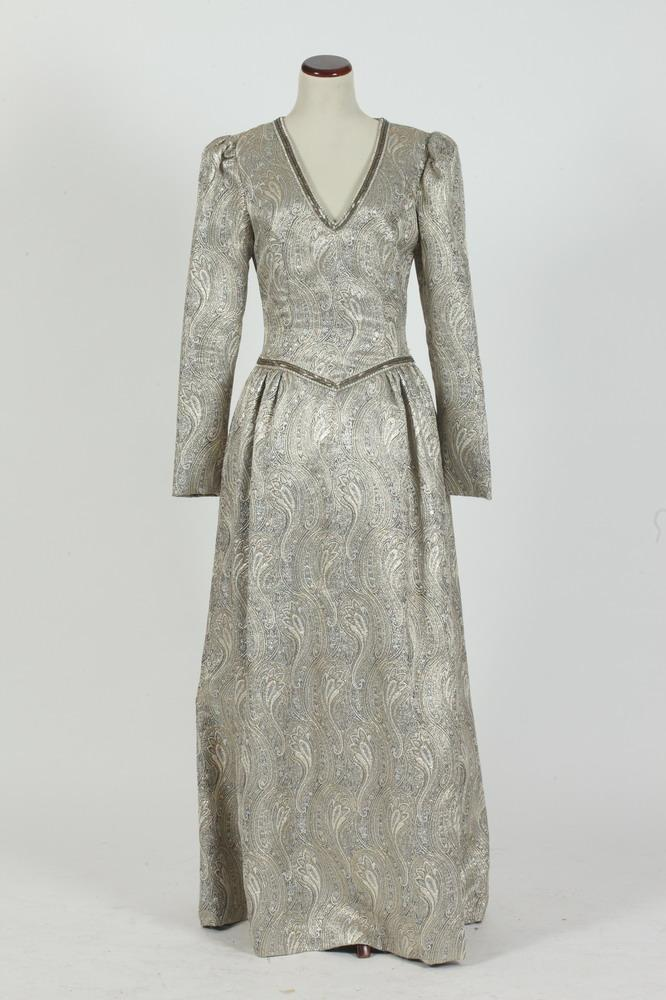 RICCO ANTONIO/NEIMAN MARCUS SILVER BROCADE EVENING DRESS.