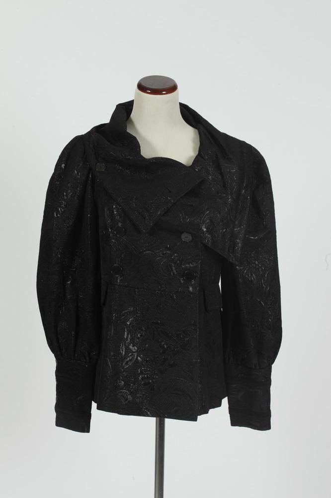 BADGLEY MISCHKA BLACK BROCADE JACKET. size medium/large.