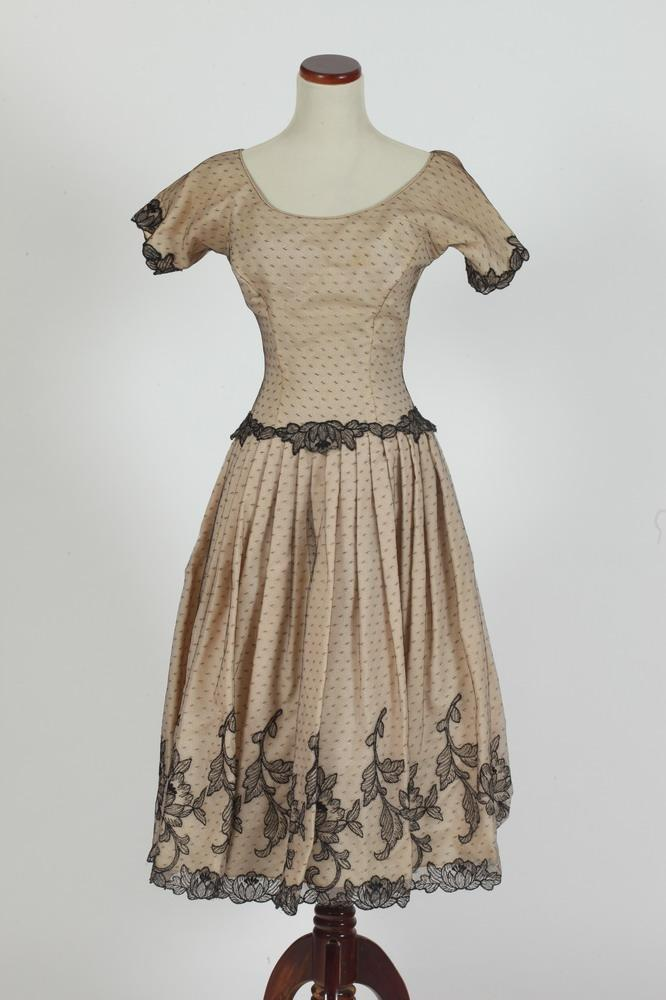 VINTAGE DRESS WITH BLACK LACE OVERLAY, 1940's size xs.