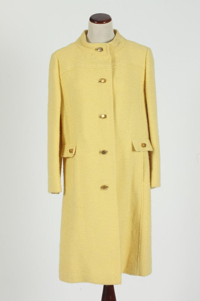 VINTAGE LORD & TAYLOR YELLOW WOOL COAT WITH GOLD-TONE BUTTONS, size small/medium.