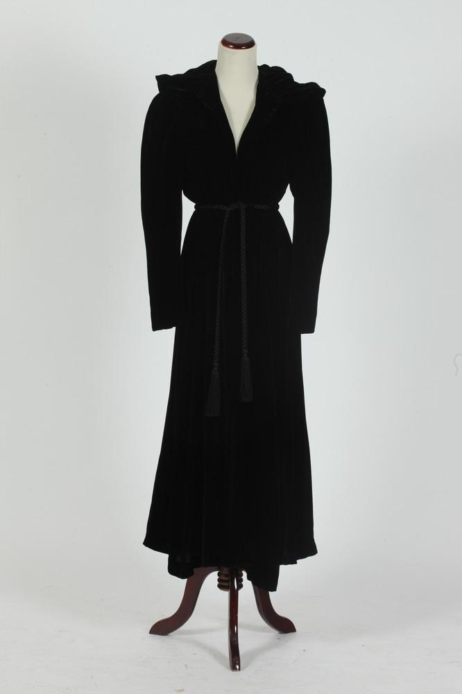 VINTAGE BLACK VELVET JULIETTE NYC COAT WITH GOLD-TONE SATIN LINING AND GOLD-TONE SLEEVELESS SILK GOWN, size medium.