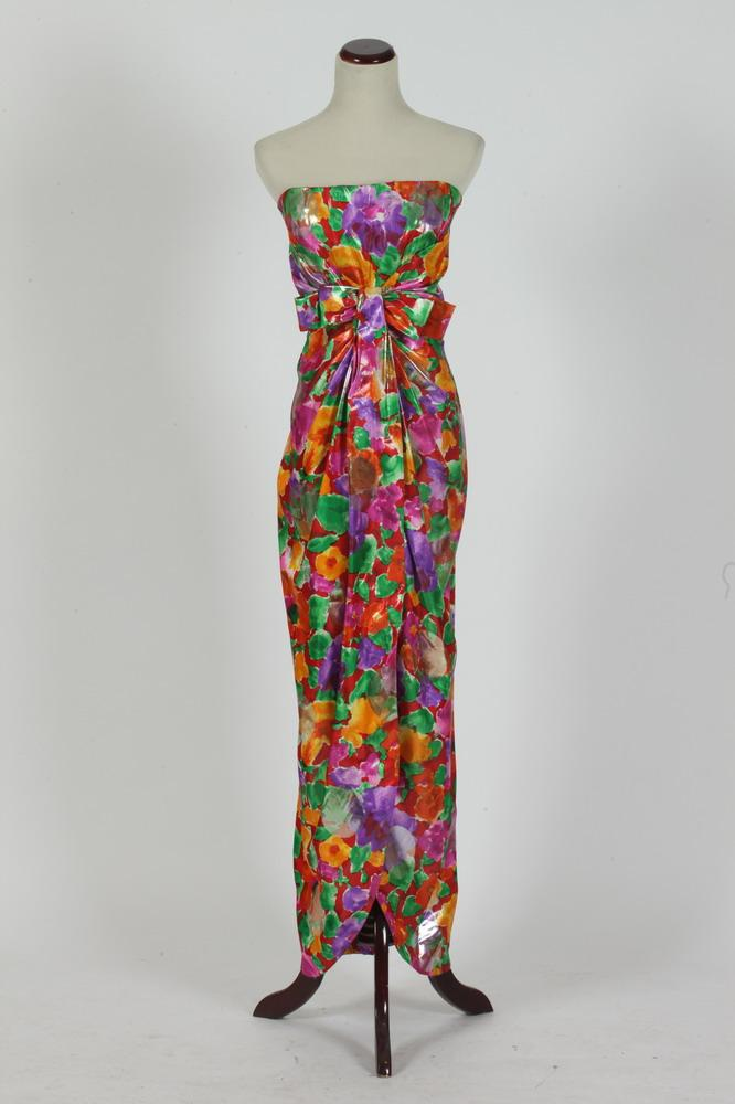 VINTAGE SCASSI STRAPLESS MULTICOLORED STRAPLESS GOWN, size 6-8.