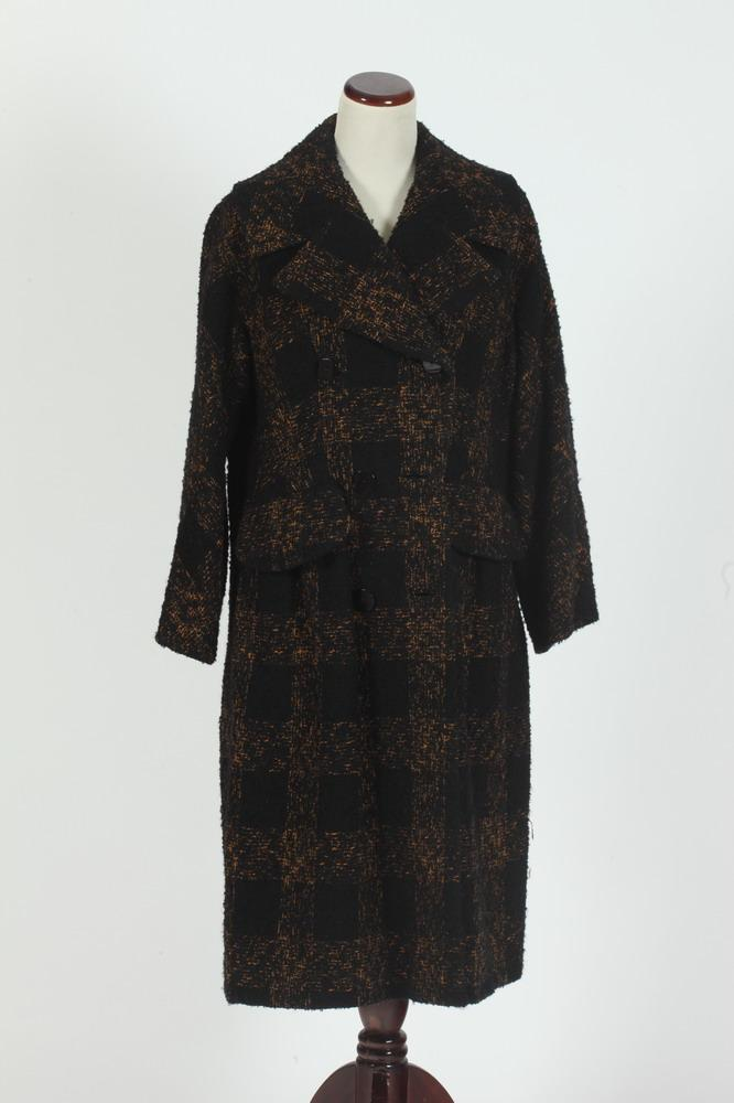 VINTAGE BLACK AND GOLD PLAID WOOL COAT, size medium/large.