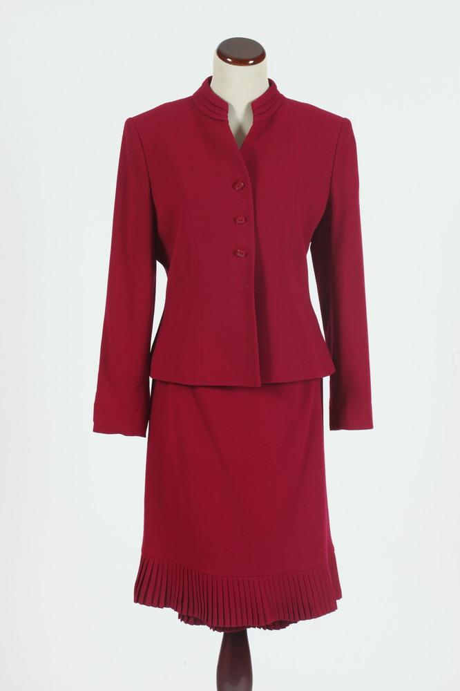 ALBERT NIPPON RASPBERRY SUIT. size 8.