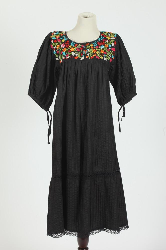 GUATEMALAN BLACK COTTON DRESS WITH EMBROIDERY, size medium.