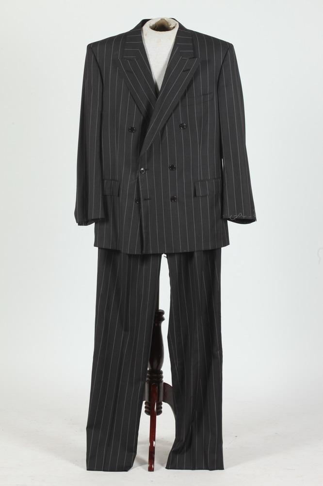 MEN'S BLACK WOOL DOUBLE-BREASTED SUIT WITH WHITE PINSTRIPES. (MISSING BUTTONS ON SLEEVE CUFFS), size 44/46.