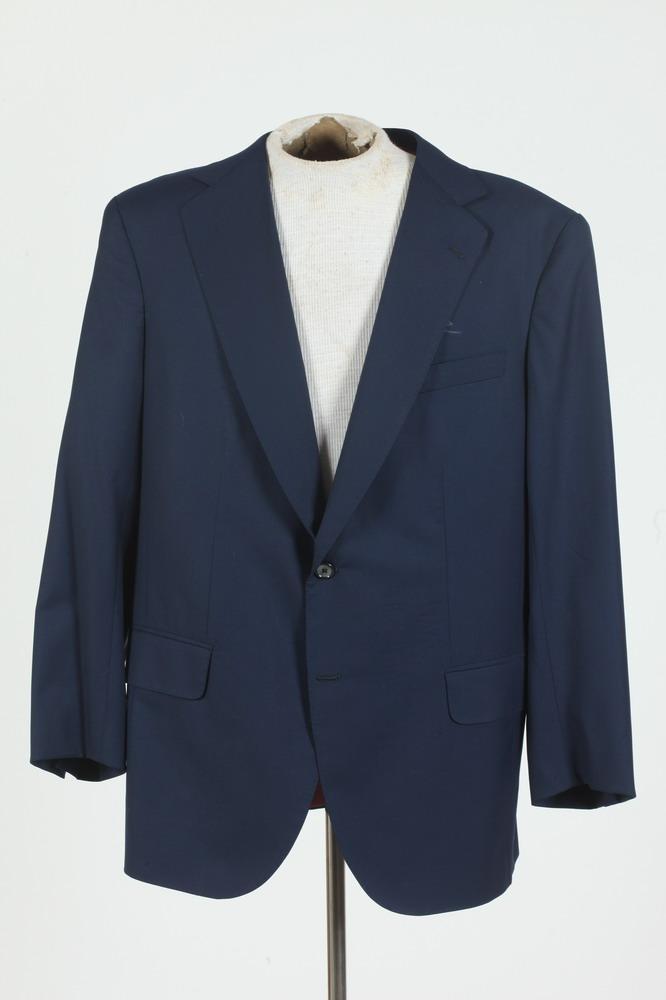 MEN'S BLUE WOOL JACKET. size large.
