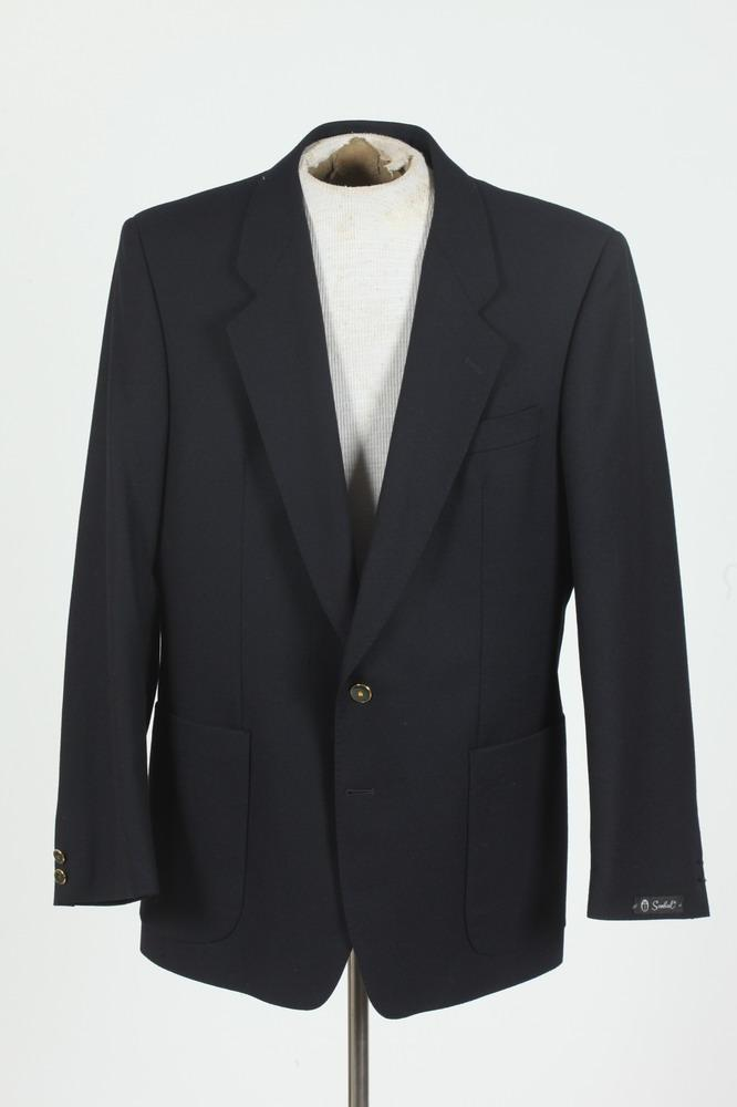 MEN'S NAVY BLUE WOOL BLAZER FROM SCABAL, (MISSING BUTTONS ON LEFT SLEEVE CUFFS), size 42 small.