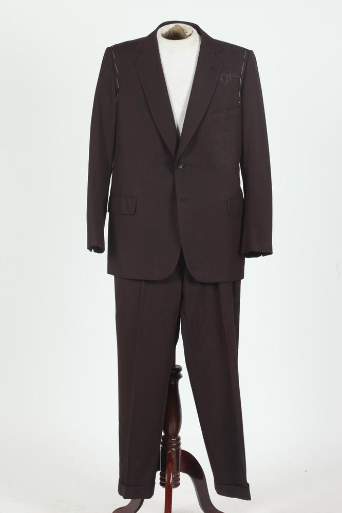 MEN'S RED AND CHARCOAL GREY STRIPED WOOL SUIT. size 44/46.
