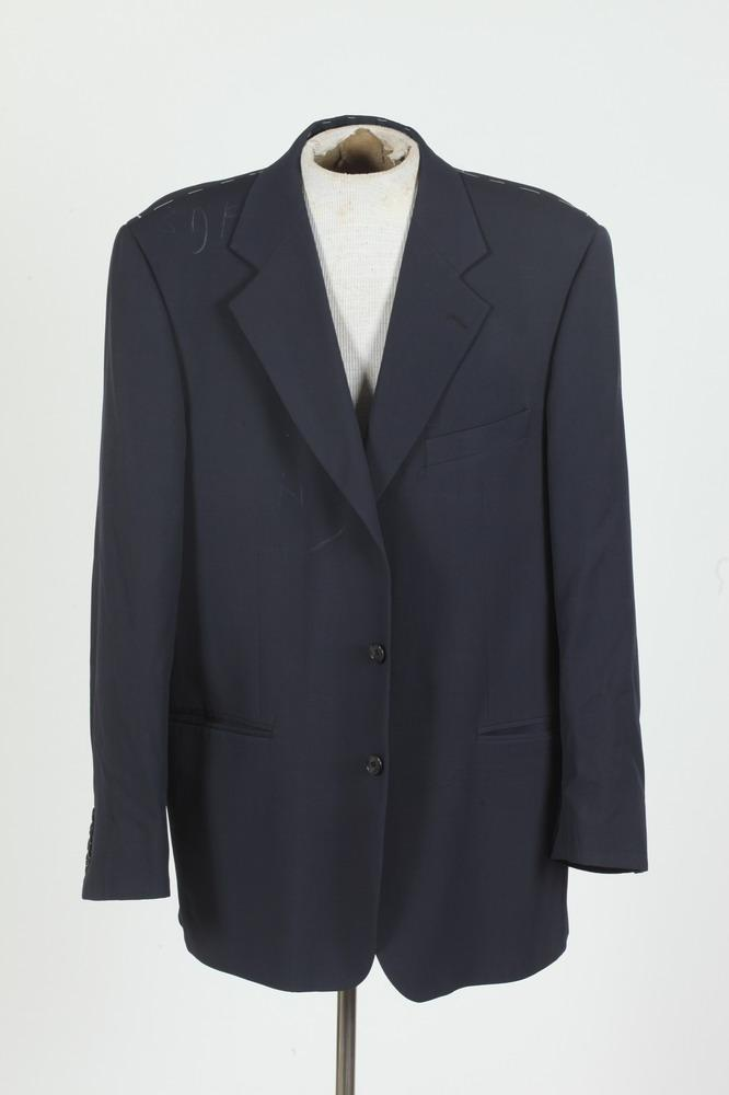 MEN'S NAVY BLUE BLAZER. size 44/46.