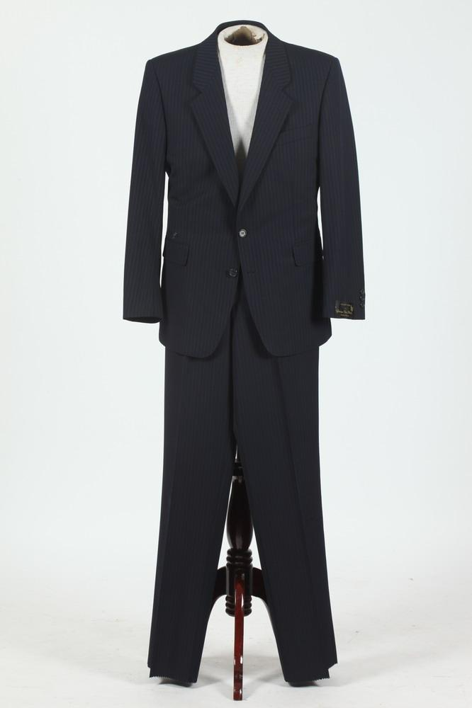MEN'S NAVY PINSTRIPED SUIT, size 42.