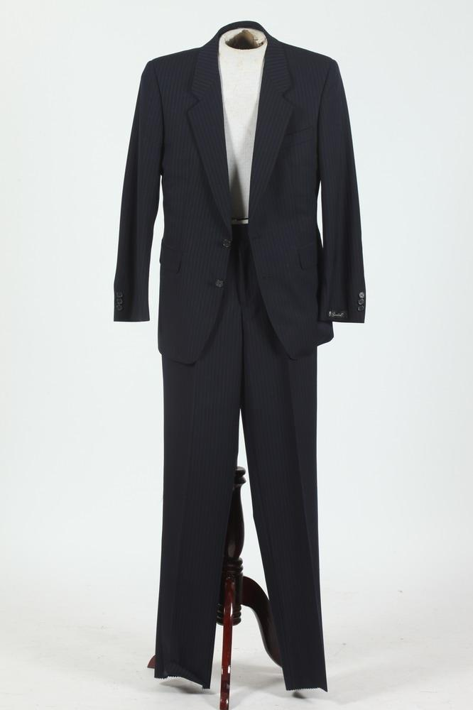 MEN'S NAVY BLUE PINSTRIPED SUIT, size 38 small.