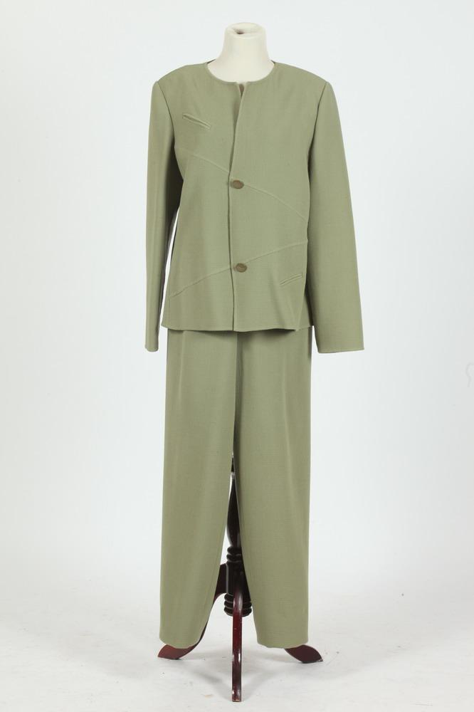 BILL BLASS SAGE GREEN PANT SUIT, size 14.