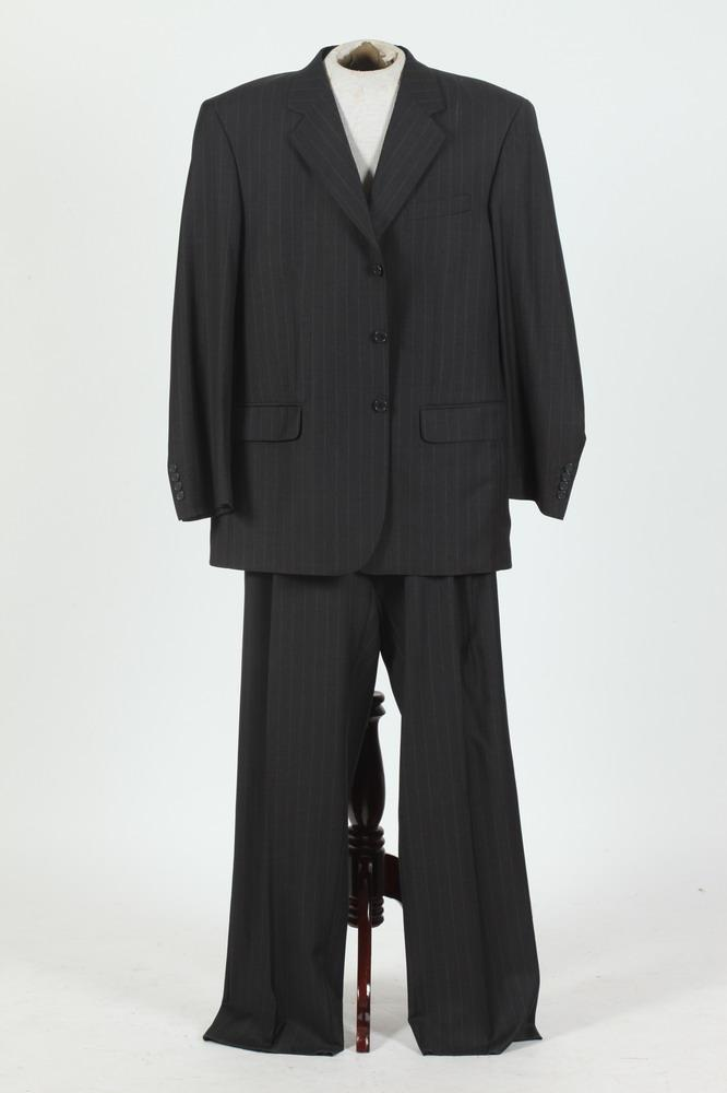MEN'S PINSTRIPED WOOL SUIT. size 46 tall.