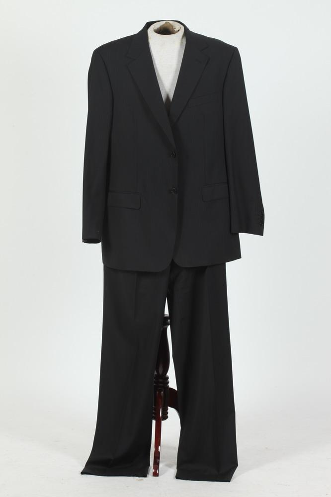 MEN'S BLACK WOOL SUIT. size 44.
