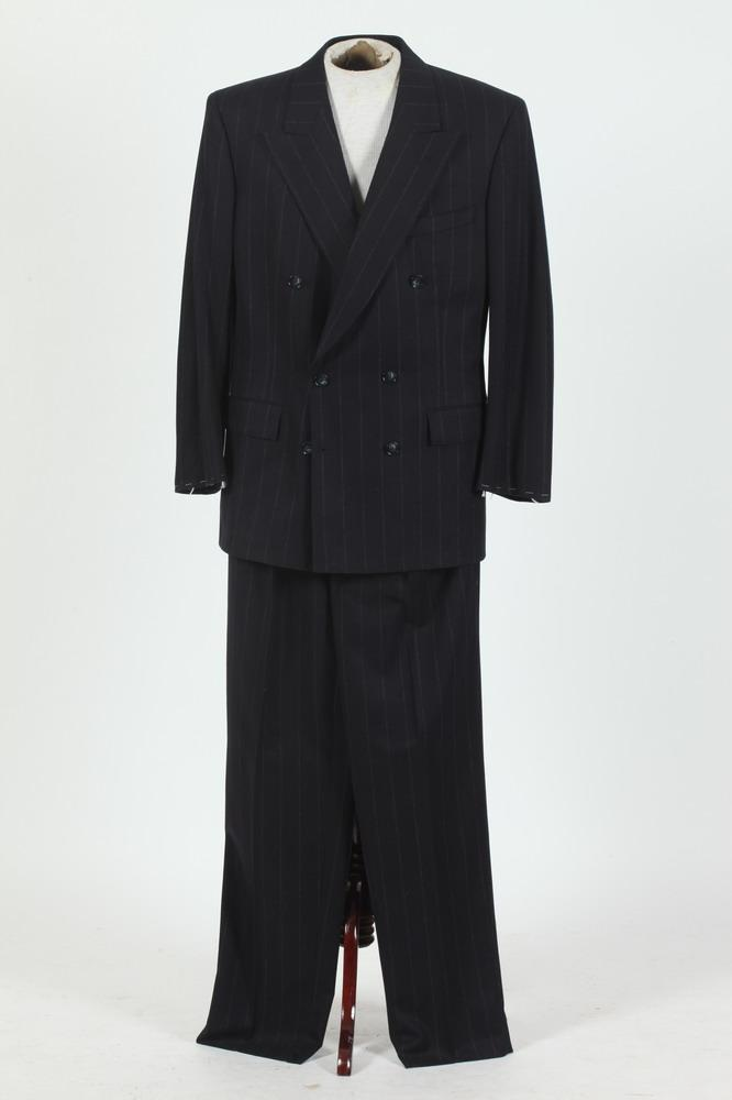 MEN'S NAVY BLUE WOOL DOUBLE-BREASTED SUIT WITH WHITE PINSTRIPES, size 40.